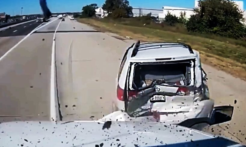 Bad Drivers caught on Dashcam #870