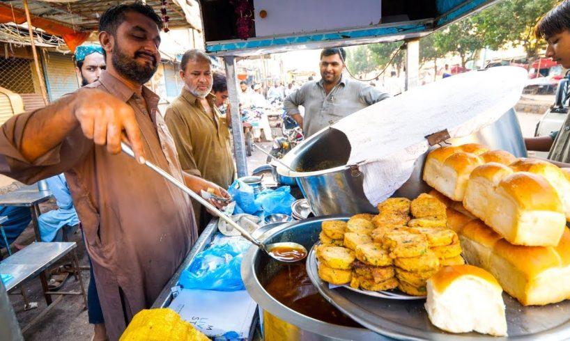 Breakfast in LYARI, KARACHI - Street Food in Former Danger Zone in Pakistan