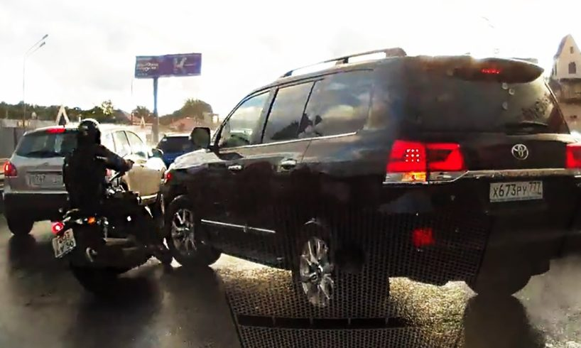 EXAMPLES OF DRIVERS WITH LOW IQ - DRIVING FAILS & ROAD RAGE 2017 #656