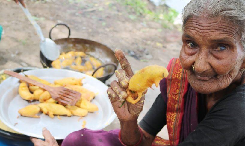 HOT MIRCHI BAJJI BY MASTANAMMA |COUNTRY FOODS