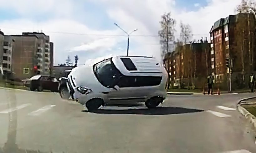 Idiot Car Drivers on City Streets and Highway & Road Rage on Dashcam #587