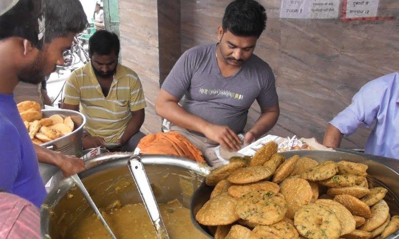 Lucknow People Enjoying Morning Food - Khasta/Puri/Chhole Chawal - Durga Khasta Corner