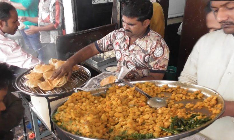 Mumbai Crazy Breakfast in Early Morning | 7 Puri @ 30 rs Only | Indian Street Food Maharashtra