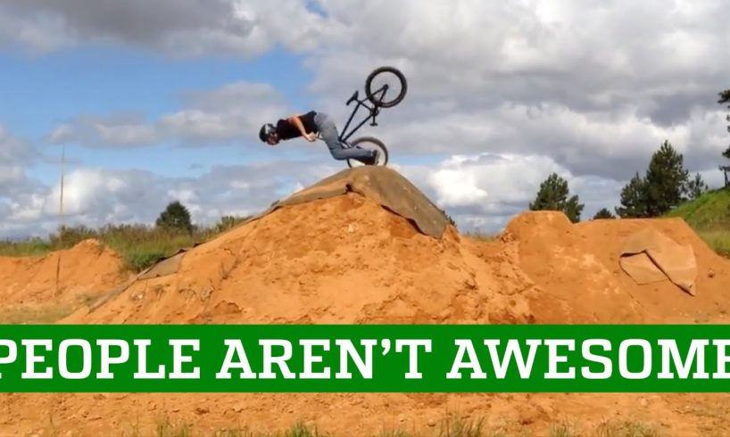 PEOPLE AREN'T AWESOME 2016