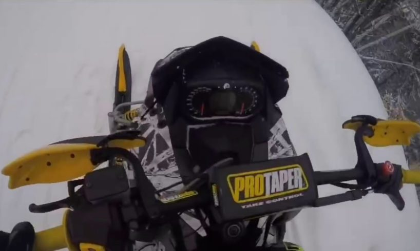 SNOWMOBILE FAILS AND NEAR DEATH COMPILATION