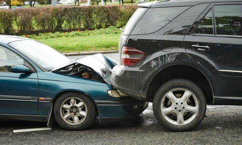 Stupid Driving Fails April 2017 😨 Funny Idiot Drivers & Road Rage #575