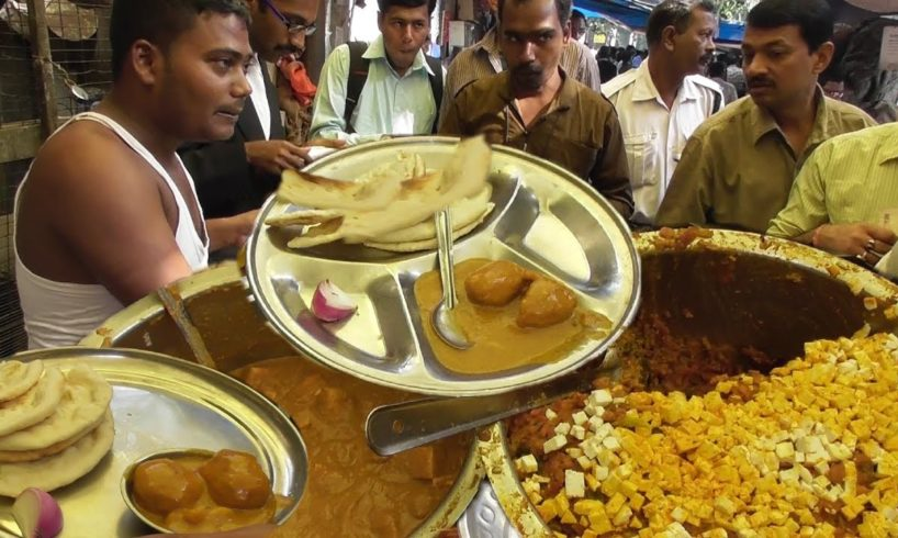 Two Tandoori Roti (Bread) & One Veg Curry @12 Rs (0.186 US Dollar) Only Indian Street Food Loves You