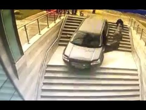 WTF MOMENTS - IDIOT DRIVERS