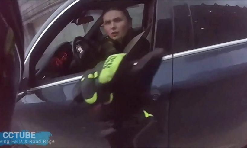 Women Driving Fails 2018,  compilation #17