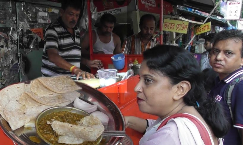 World Best Family Food Seller in Kolkata | Selling Cheap Street Food with Love