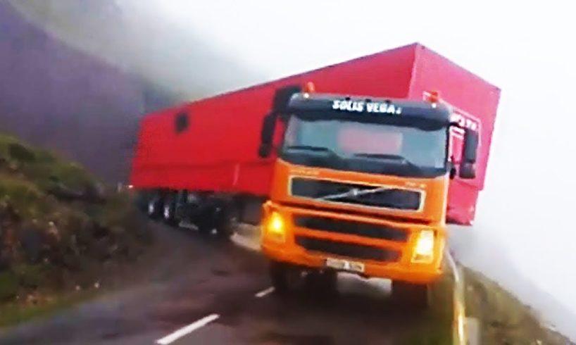 Amazing Trucks Driving Skills - Awesome Semi Trucks Drivers #10