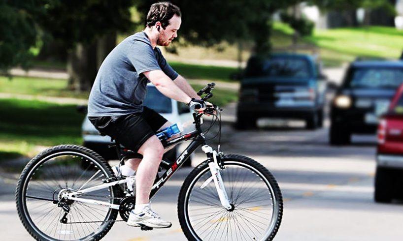 Bike vs Car - Cyclists on a crosswalk
