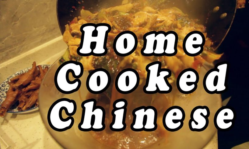 Eating Home Cooked Szechuan Food in Chengdu- SPICY!