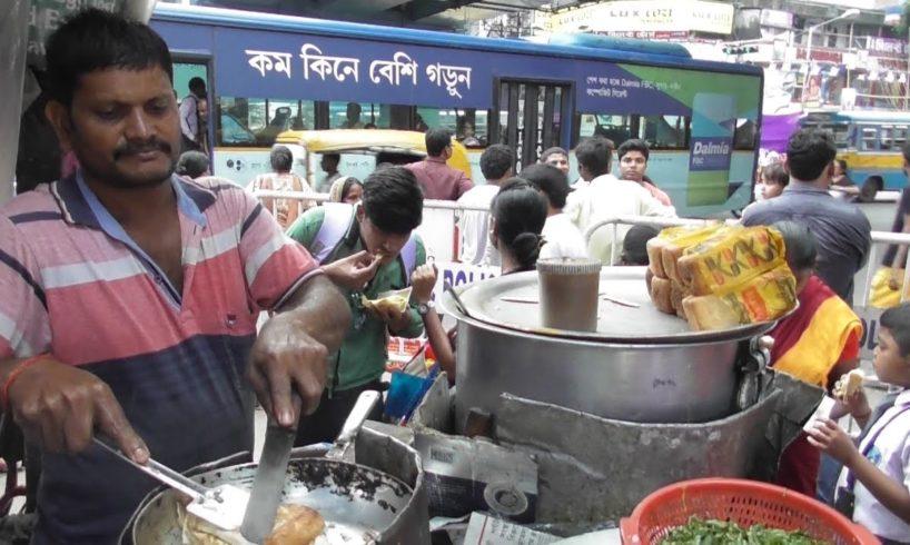 Egg Toast @ 20 rs Each & Ghugni @ 12 rs Plate Street Food Kolkata Gariahat More