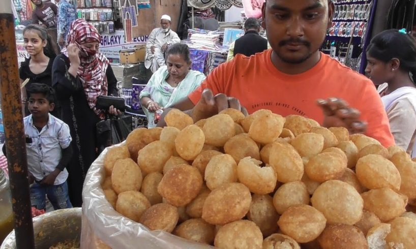 Expert Guy Selling Panipuri - 6 Piece @ 10 rs with 7 Types Water Flavor - Street Food Lucknow