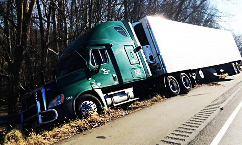 Semi Truck & Car Tire Blowout on Dashcam 2017, Idiot Car & Semi truck Drivers