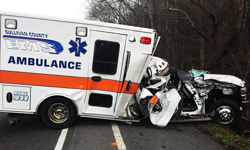 Stupid Drivers vs Ambulance, Ultimate Retarded Drivers Fails 2017, Extreme Driving Fails & Road Rage