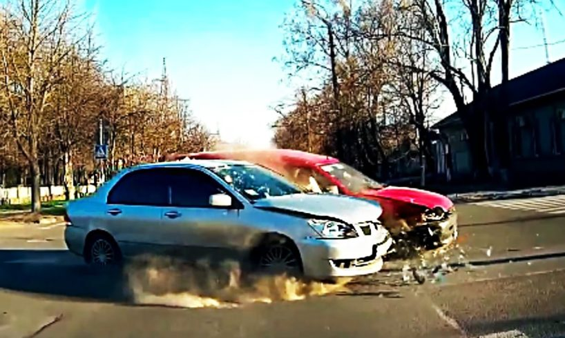Ultimate Driving Fails April 2017 😨 Stupid Drivers & Road Rage #563