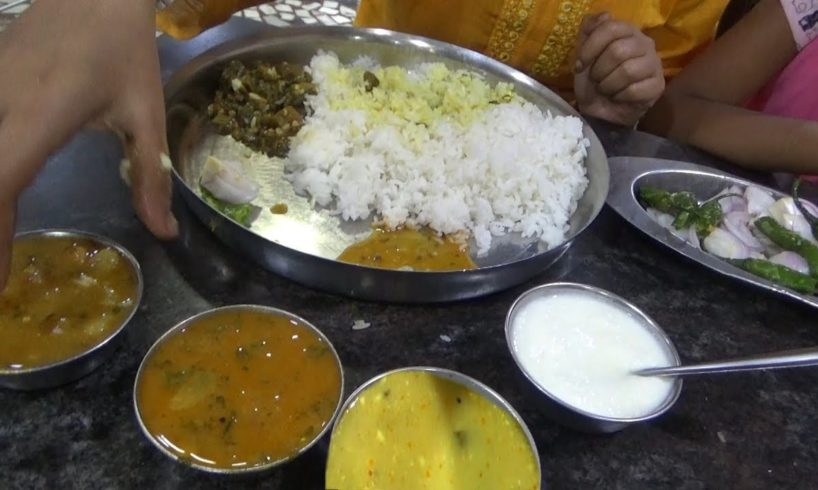 Veg Thali Start Only 100 rs with 4 Types of Curry & Curd | Cheap Food in Tamil Nadu Kanyakumari