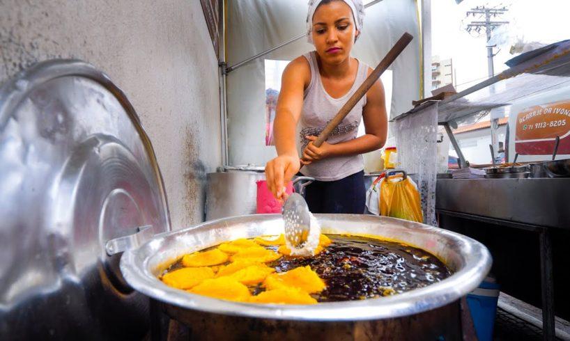 Afro-Brazilian Street Food - GIANT FOOD TOUR + Boiling Moqueca + Acarajé in Salvador Bahia, Brazil!