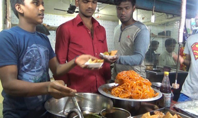 Delicious Food (Samosa - Masala Puri - Jalebi) - Street Food Chennai