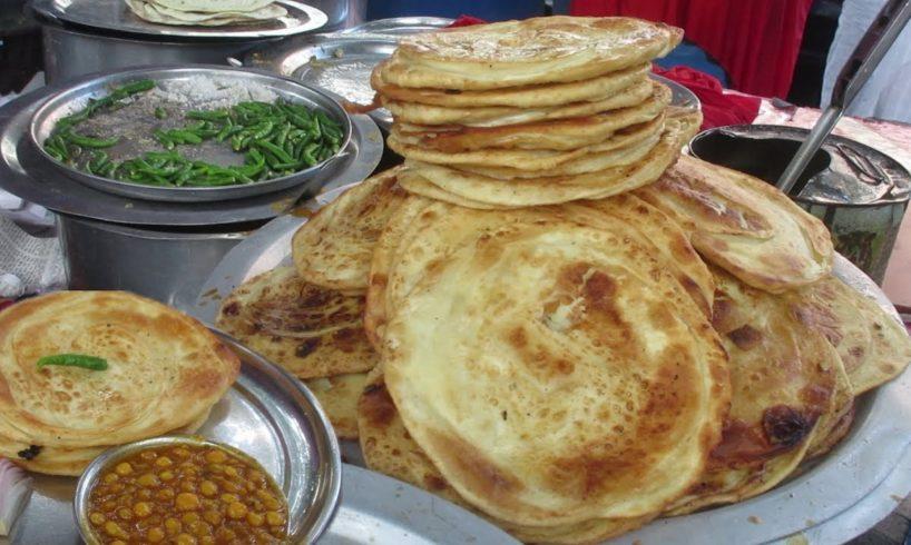 Desi Paratha Ka Taste | People are Eating Paratha In Roadside Food Center | Street Food India