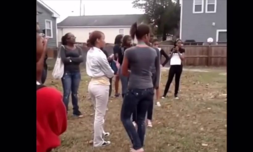 Hood fights (Girl fight) New)One Arm Girl Gets Help 2018