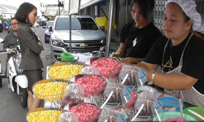 Ladies Selling Healthy Thai Street Food | Street Food Loves You