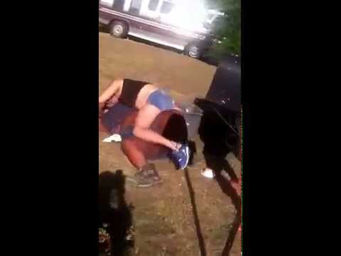 Hood fight on the block big girl no panties on ass out New 2014 , GreatTV - GreatVideo