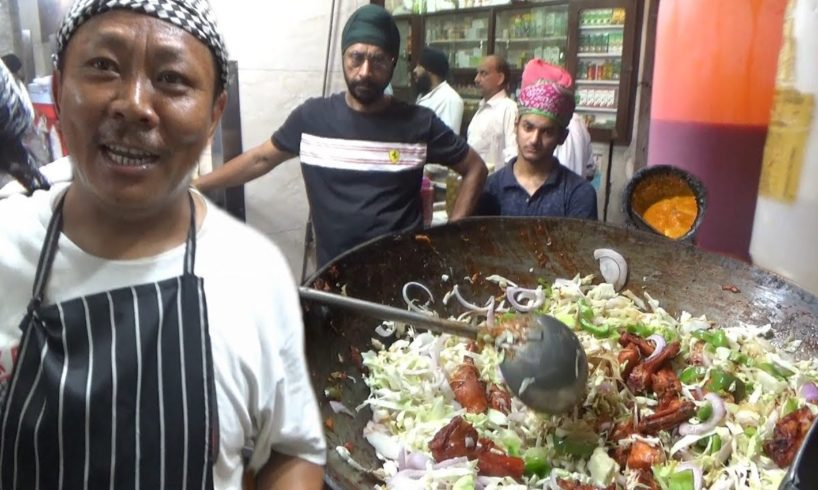 Popular Non Veg Eating Point Amritsar - Gobi Chili Chicken with Naan Paratha - Punjab Street Food