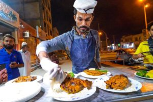 Street Food Balochistan!! 🌶️ SPICY CHICKEN CHEF + Visiting MARS in Chabahar, Iran!