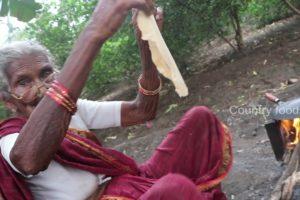 బామ్మా గారి చపాతీ  రెసిపీ  Traditional Chapathi Recipe   Chicken Chapathi By Granny  Country foods