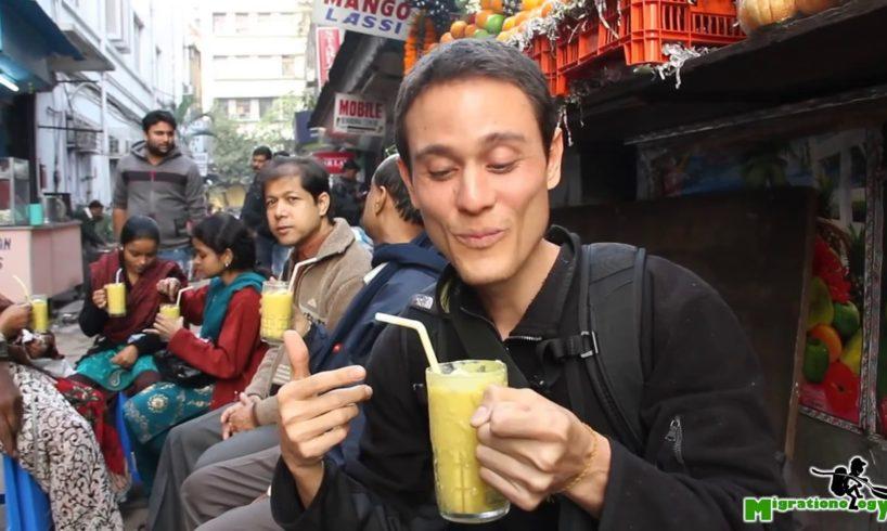 Indian Mango Lassi - The Best Mango Smoothie I've Ever Had in Kolkata, India!