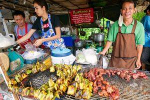 Street Food MEAT SWEATS!! ? Roadside BREAKFAST in Chiang Mai!   ลาบเนื้อดิบ