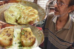 Respect & Salute | 76 Years Old Hard Working Kolkata Man | Egg Toast @ 22 rs | Indian Street Food