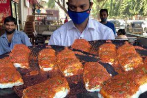 Mumbai People Enjoying Tasty Vada Pav | Price Start 50 rs Plate | Indian Street Food