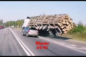 BEST TRUCK CRASHES & ACCIDENTS Compilation of Road Collisions Near Death Experiences