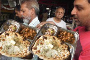 Best Breakfast in Amritsar | Alu Kulcha 40 rs & Mix Kulcha 60 rs Plate | Street Food Loves You