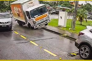 IDIOTS IN CARS #3 Bad Drivers