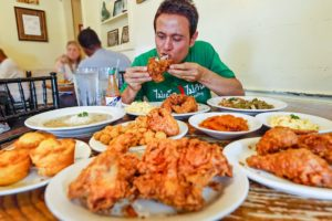 The Best FRIED CHICKEN in America!! 🍗 Soul Food at Willie Mae's in New Orleans!
