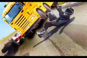 motorcycle Extreamly close call  -  Near death experience compilation [EPISODE 01]